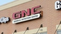 GNC's revenues drop 8%; stock price dives by 25%