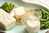 Soy-rich diet may help women's lung cancer survival